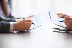 Dopuszczalność rozwiązania stosunku pracy z uwagi na długotrwałą nieobecność w pracy oraz częste absencje chorobowe