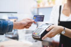 Zapłata kartą przy użyciu terminala płatniczego a obowiązek ewidencjonowania sprzedaży na kasie fiskalnej