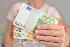 Premie i rabaty pośrednie a VAT